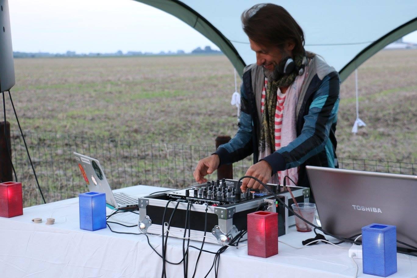 DJ SET 24 STRANDS DANCE ACTIVATION 432HZ.